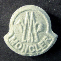 black moncler pill report